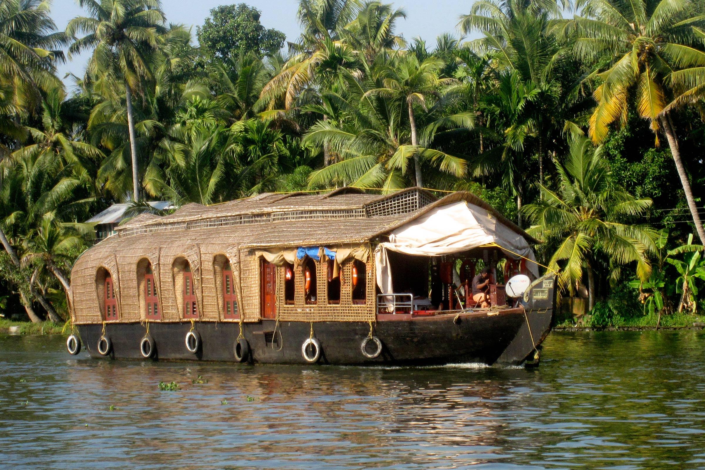 Munnar HouseBoat
