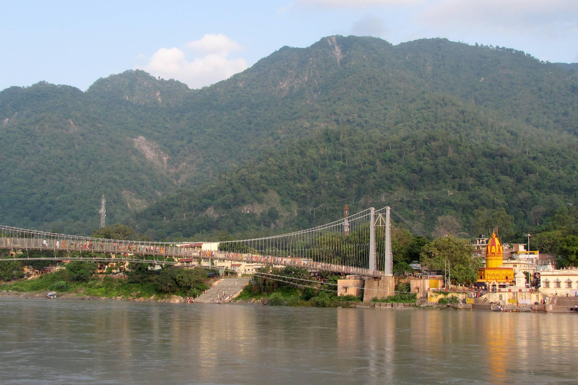 Ram-Jhula-Rishikesh