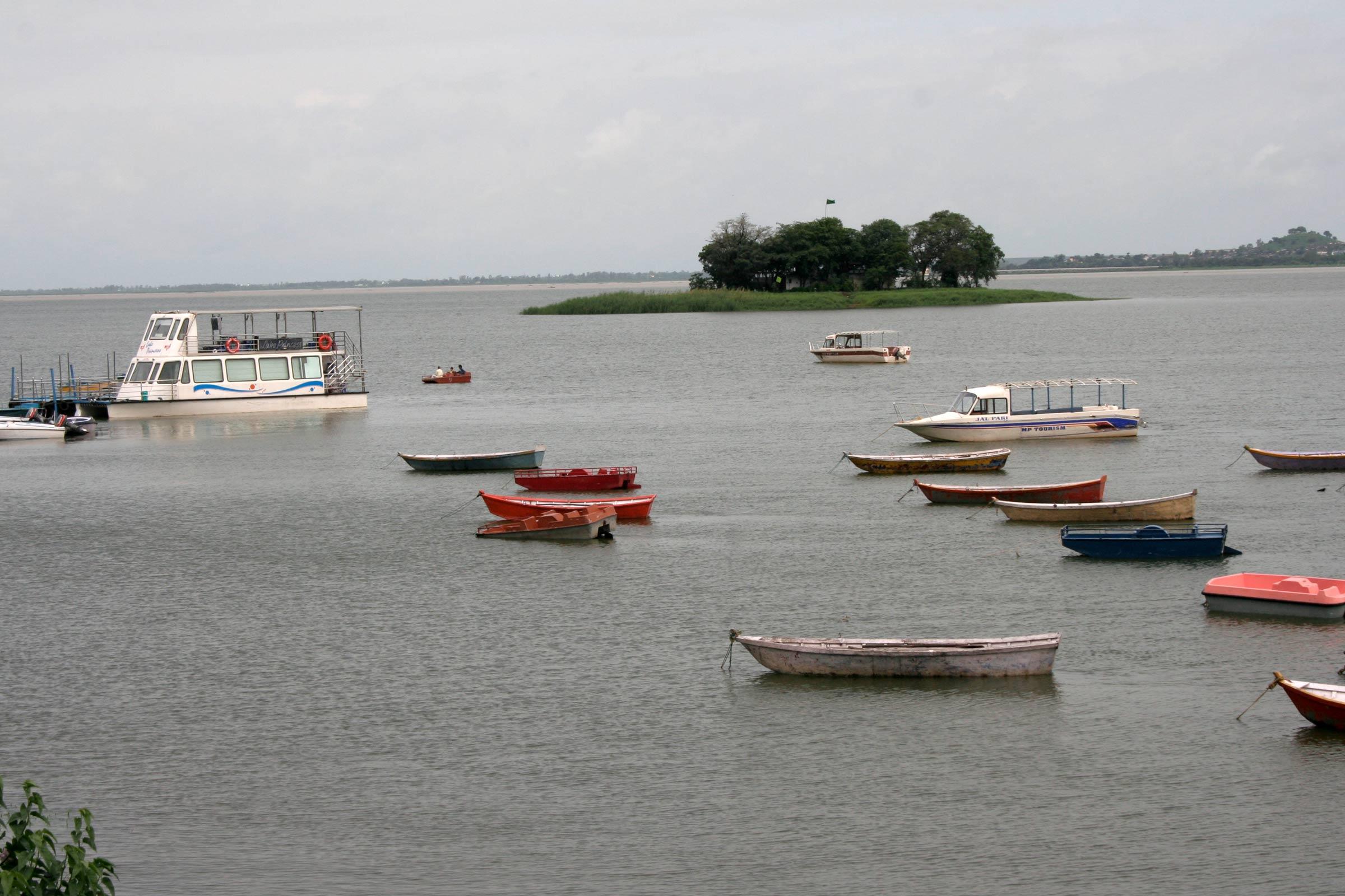 Shah Ali Dargah Lake
